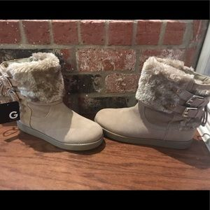 Guess fuzzy winter boots NWT